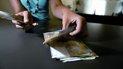 Die Kommission für Gleichstellung von Frau und Mann untersuchte, ob Frauen und Männer in Urner Firmen für die gleiche Arbeit gleich viel Lohn erhalten.(Symbolbild: Chris Iseli (19. August 2008))