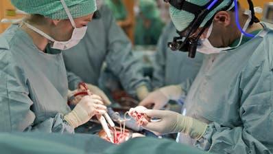 Warum die blauen Flecken nach Stentimplantation?