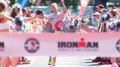 Jan van Berkel bei seinem Sieg am diesjährigen Ironman Zürich. (Bild Melanie Duchene/Keystone (Zürich, 29. Juli 2018))