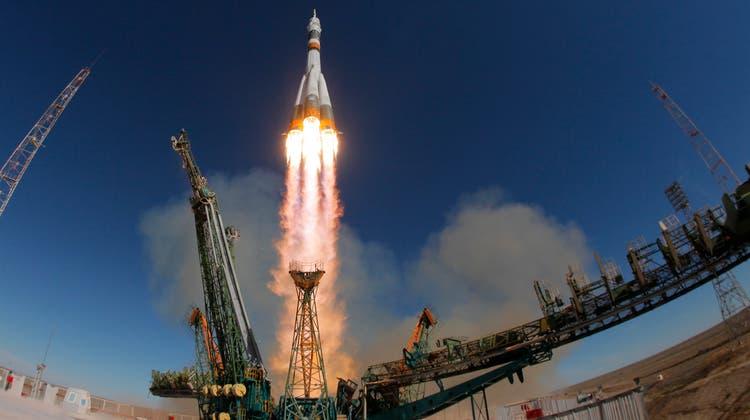 Die Sojus-Rakete hatte am Donnerstag einen Fehlstart. (Bild: AP Photo/Dmitri Lovetsky)