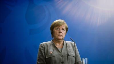 In Angela Merkels Partei wird die Unruhe immer grösser. (Clemens Bilan/EPA, Berlin, 12. Oktober 2018)