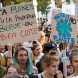 Mehrere Tausend Demonstranten nahmen am Klima-Marsch in Genf teil. (Bild: Salvatore Di Nolfi/Keystone (Genf, 13. Oktober 2018))