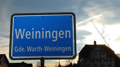 Die Ortseingangstafelvon Weiningen, Gemeinde Warth-Weiningen. (Bild: Nana do Carmo)