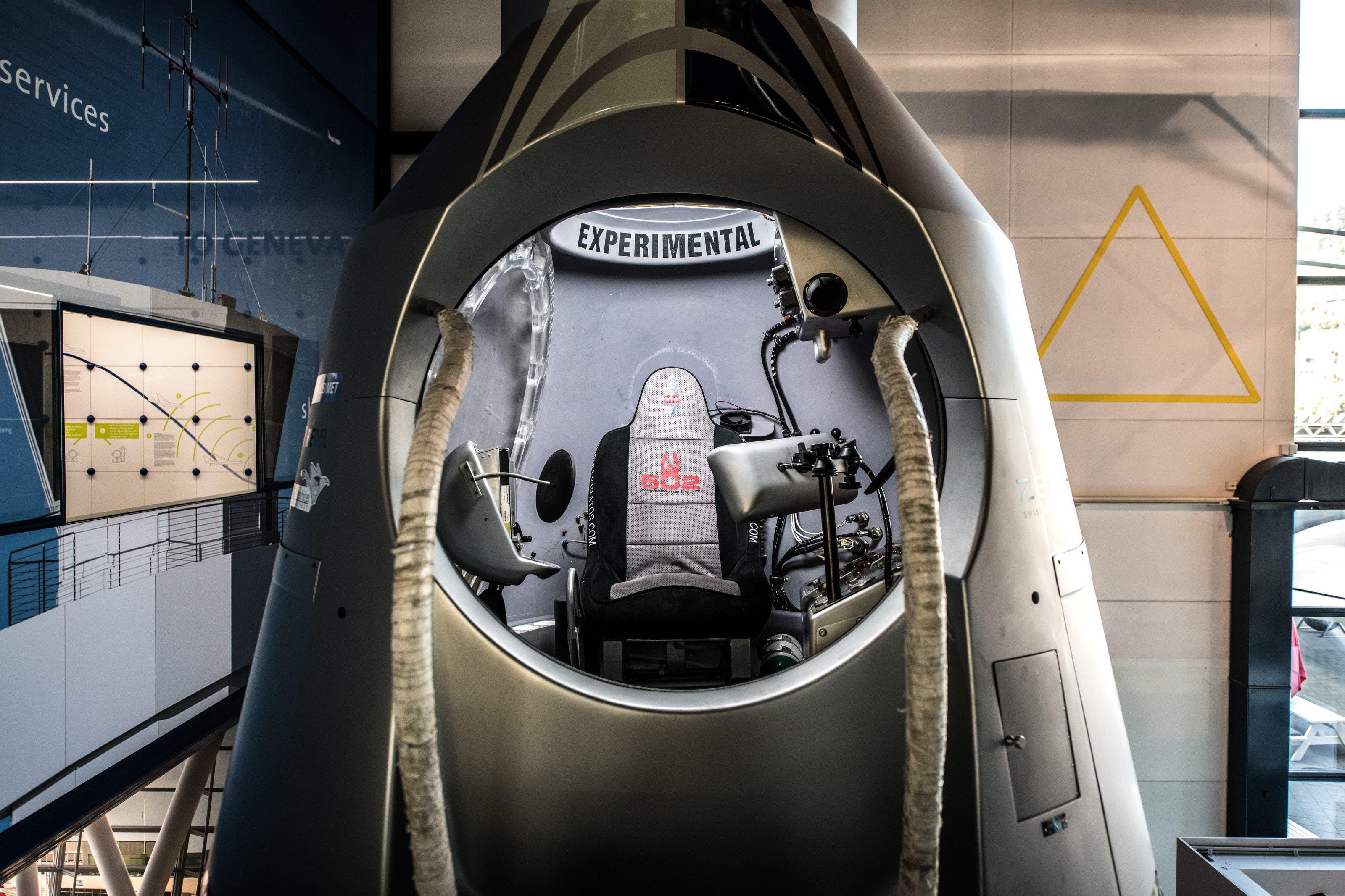 Vor sechs Jahren, am 14. Oktober 2012, sprang der österreichische Extremsportler Felix Baumgartner im Rahmen des Red Bull Stratos-Projektes aus dieser Kapsel aus der Stratosphäre in Richtung Erde.