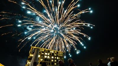 Feuerwerk beim «Grand Opening» des Bürgenstocks: Rund 700 Personen arbeiten in der Hotelanlage. (Bild: Philipp Schmidli, 28. September 2018)