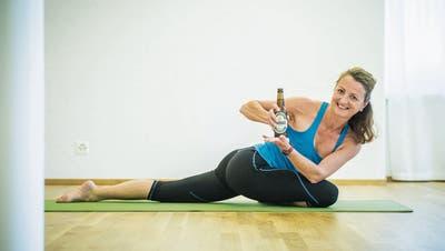 Zwischen Taube, Tiger und grossem Dreieck: Frauenfelds erstes Bier-Yoga
