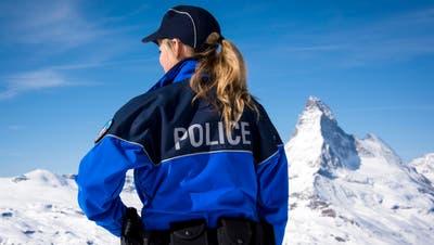 Immer mehr Frauen wollen Polizistin werden