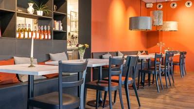 Orange gilt als appetitanregende Farbe - Blick ins neue Restaurant Brünig. (Bild: PD/Caritas)