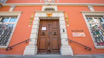 Noch ist Robert Raths der einzige bekannte Kandidat, der ins Rathaus Rorschach ziehen will. (Bild: Urs Bucher)