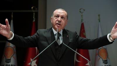Erdogan bei seiner Rede vor dem Parlament in Ankara. (Bild: EPA, 23. Oktober 2018)