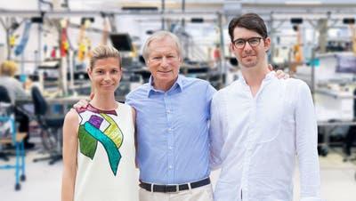 Die aufgegleiste Nachfolge: Hanspeter Ueltschi mit seinen Kindern Katharina und Philipp. (Bild: PD)