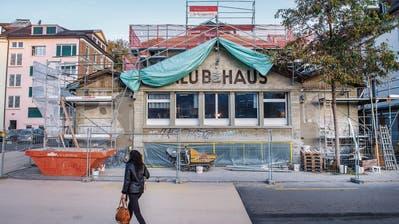 Schleifen, meisseln, verputzen: Die Stadt St.Gallen bringt das Spanische Klubhaus auf Vordermann
