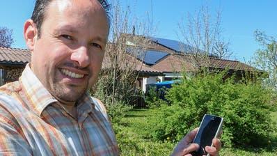 GemeindepräsidentRolf Bosshard hat auch auf seinem eigenen Hausdach Photovoltaikmodule installiert. (Bild:ZVG)