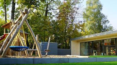 Vor drei Jahren wurde der Kindergarten Weinburg eröffnet. Beim Schulhaus Wehrli soll nun ein baugleicher entstehen. (Bild: PD)