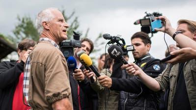 Der Thurgauer Kantonstierarzt Paul Witzig am Tag nach der Räumung des Hofs in Hefenhofen. (Bild: Keystone / Ennio Leanza)