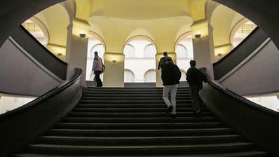UZH plant 18 neue Professuren im Bereich Digitalisierung