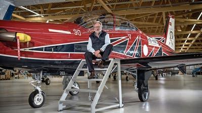 Pilatus-Verwaltungsratspräsident Oscar J. Schwenk vor einem PC-21 für Australien. (Bild: Pius Amrein, Stans, 27. Oktober 2018)
