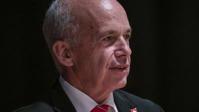 Bundesrat Ueli Maurer will mehr mutige Bürgerinnen und Bürger