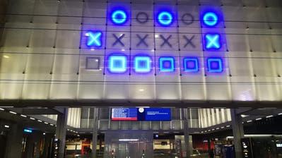 Diese Aufnahme wurde am Sonntagabend um 20.33 Uhr gemacht. Die binäre Uhr zeigt aber 21.33 Uhr an. (Bild: ZVG)