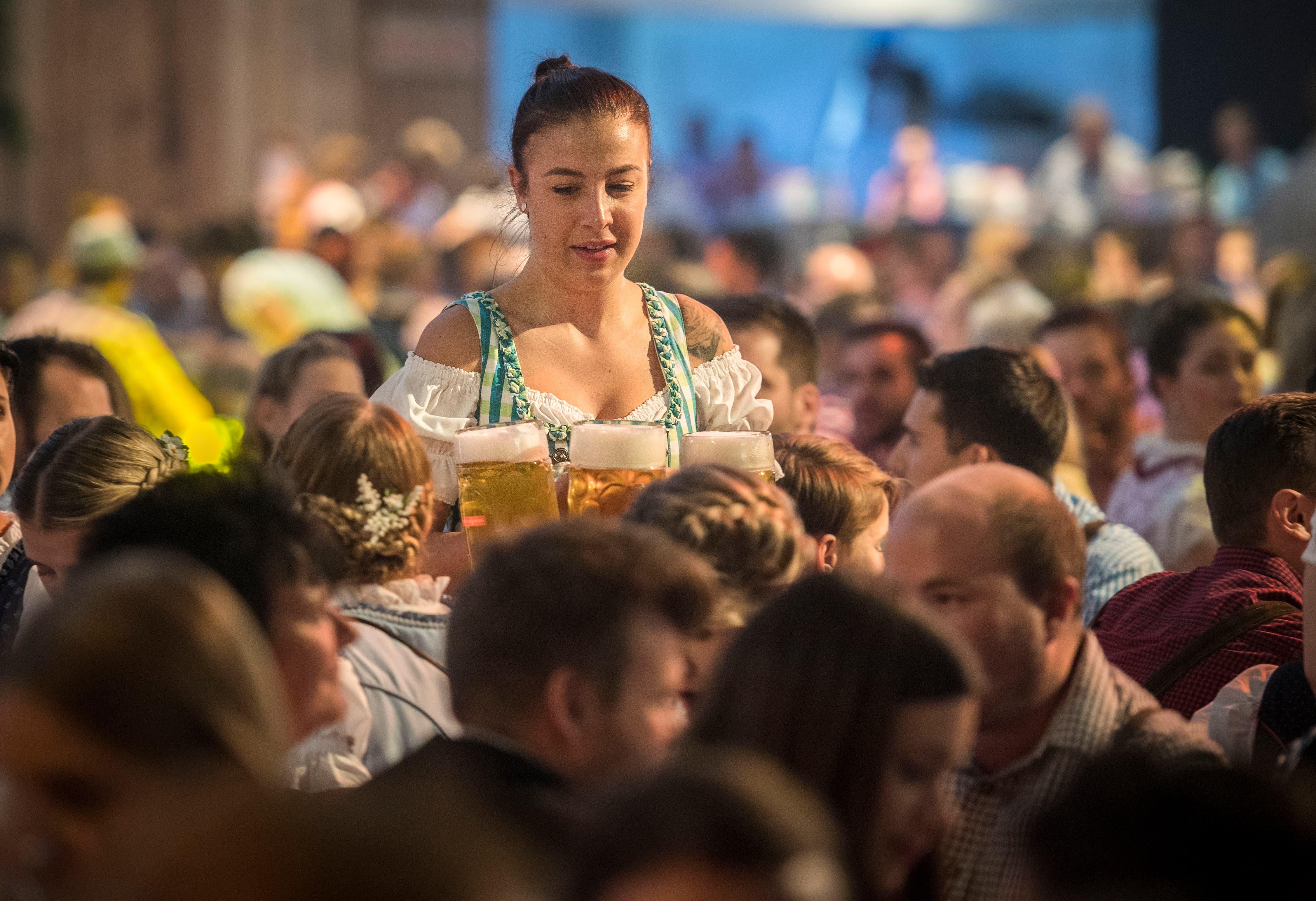 An immer mehr Orten in der Schweiz finden Oktoberfeste statt. Damit scheint sich ein neuer Brauch zu etablieren. (Bild: Reto Martin)