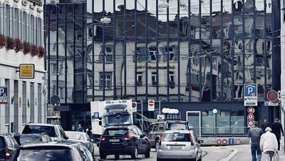 Avenir Suisse hat die Politik der zehn grössten Schweizer Städte in den vergangenen 20 Jahren untersucht. St.Gallen landet im liberalen Städteranking im Mittelfeld. (Bild: Michel Canonica - St.Galler Rathaus, 20. Dezember 2012)