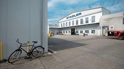 Stadler im Industriepark Altenrhein. Insgesamt macht Stadler hier Hallenflächen von 25'000 Quadratmetern frei. (Bild: Benjamin Manser (4. April 2017))
