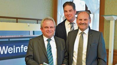 Erwin Wagner, Leiter der Finanzverwaltung, Gemeindeschreiber Reto Marty und Gemeindepräsident Max Vögeli bei der Budgetpräsentation. (Bild: Mario Testa)