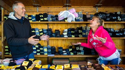Yvonne Camenzind und Daniel Kolar haben die Socken im Griff.                       (Bild: Philipp Schmidli, Luzern 5. Oktober 2018)