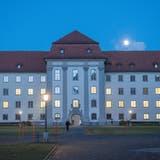 Unzufriedene St.Galler Staatsangestellte – gehen im Regierungsgebäude bald die Lichter aus? (Bild: Urs Bucher)