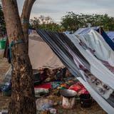 Ein Junge schläft in einem notdürftigen Zelt auf der indonesischen Insel Sulawesi. (Bild:Ulet Ifansasti/Getty (Palu, 7. Oktober 2018))