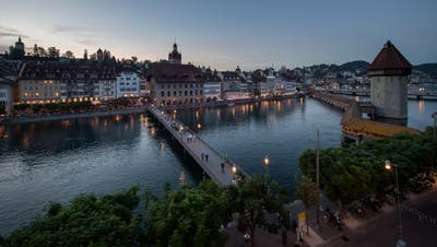 Die Destination Luzern, hier die Altstadt mit Reuss und Wasserturm, steht bei amerikanischen Touristen hoch im Kurs. (Bild: Pius Amrein (Luzern, 25. Mai 2018))