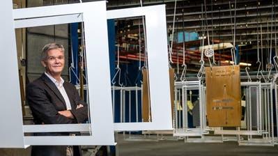 Thomas Wirth, CEO Wirth + Co AG, im Lackierwerk der Firma. (Bild: Philipp Schmidli (Buchrain, 30. Oktober 2018))