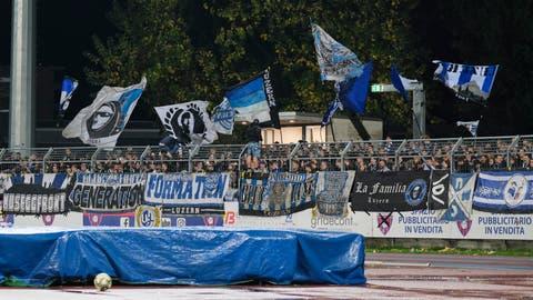 Die Fans des FC Luzern in Chiasso (Bild: Martin Meienberger, 1. November 2018)