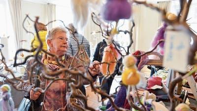 Weihnachtsschmuck macht einen Grossteil des Angebotes auf dem Greuterhofmarkt aus. (Bilder: Donato Caspari)