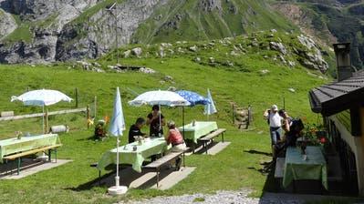 Auch auf der Alp Hobielgenossen die Wanderer die herrlichen Sommertage. (Bild: PD)