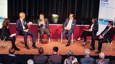 Bundesrat Ignazio Cassis beim Podium mit Politikern der FDP Thurgau. (Bild: PD)