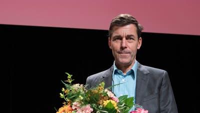 Der Schriftsteller Peter Stamm hat für sein Buch «Die sanfte Gleichgueltigkeit der Welt» den Schweizer Buchpreis erhalten. (Bild: Peter Schneider/Keystone)