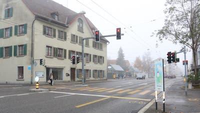 Der Fussgängerstreifen in St.Fiden, auf dem am Mittwoch eine Frau angefahren. (Bild: Stadtpolizei St.Gallen - 14. November 2018)