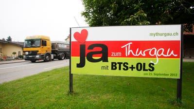 Plakat der BTS-Befürworter: Die Interessengemeinschaft BTS lobbyiert in Bern für das Projekt.(Bild: Donato Caspari)