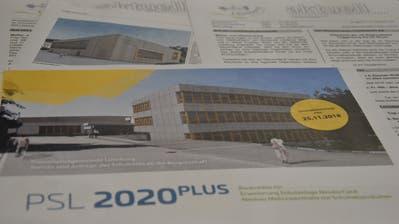 Im Lütisburger Mitteilungsblatt «aktuell» dreht sich derzeit ein Grossteil des Inhalts um «PSL 2020plus». (Bilder: Timon Kobelt)