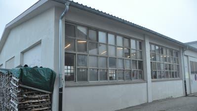 Der alte Werkhof im Weier in Alt St.Johann soll abgerissen und durch einen Neubau des Werkhofs in Kombination mit der Heizzentrale ersetzt werden. (Bild: Sabine Schmid)