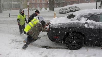 Erster Schnee sorgt für Chaos im Nordosten der USA