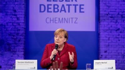 Merkel ruft in Chemnitz zu Abgrenzung gegen Rechtsradikale auf