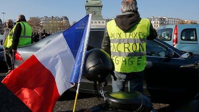 Eine Tote und 229 Verletzte bei Spritpreis-Demos in Frankreich