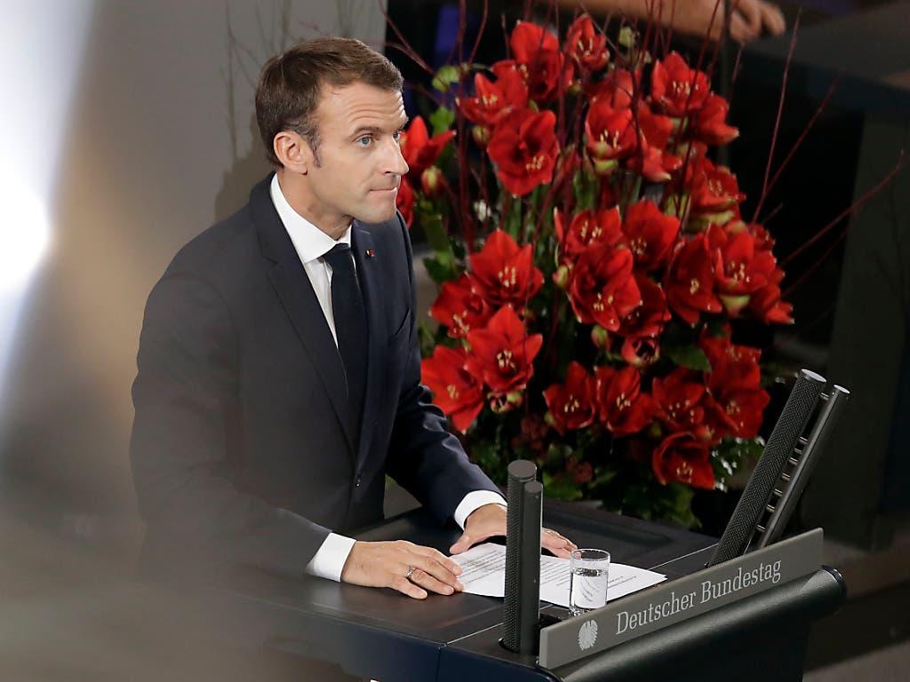 Der französische Präsident Macron spricht zum ersten Mal im Deutschen Bundestag in Berlin. (Bild: KEYSTONE/AP/MICHAEL SOHN)