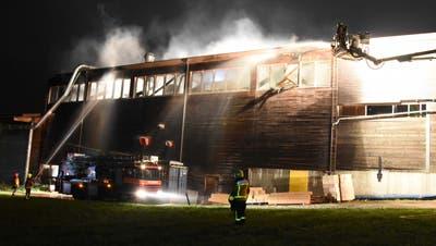 Die Feuerwehr konnte den Brand rasch löschen. (Bild: Kapo SG)