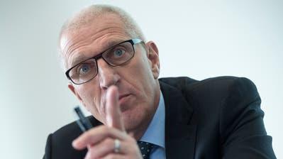 Pierin Vincenz, ehemaliger Vorsitzender der Geschäftsleitung Raiffeisen Gruppe, währendeiner Pressekonferenz im Januar 2014 in Bern. (Marcel Bieri/Keystone)