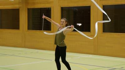 Olivia Fleischmann tanzt einen Protestsong. (Bild: Inka Grabowsky)