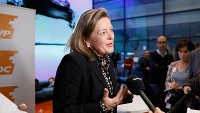 Im Fokus der Medien: Kandidatin Heidi Z'graggen  Bild: Peter Klaunzer/Keystone (Bern, 16. November 2018)
