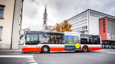 Ein Stadtbus unterwegs beim Kasernenplatz. (Bild: Andrea Stalder)